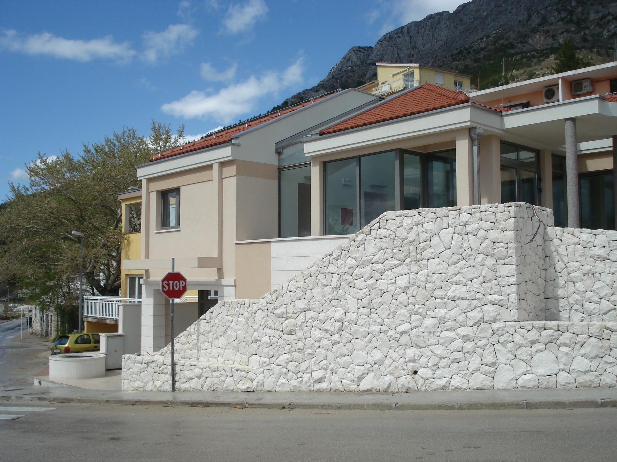 Završni građevinski radovi na objektu u Baškoj Vodi